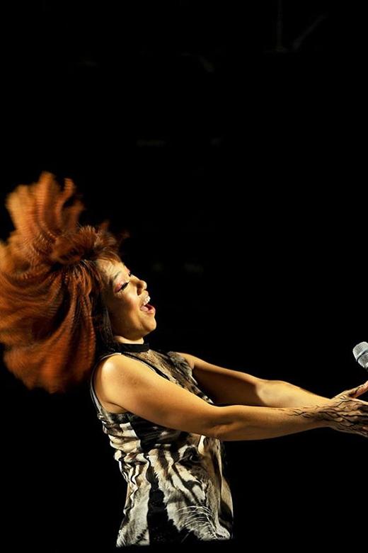 Hà Trần cháy hết mình trên sân khấu là một trong nhiều hình ảnh đẹp của Monsoon Music Festival