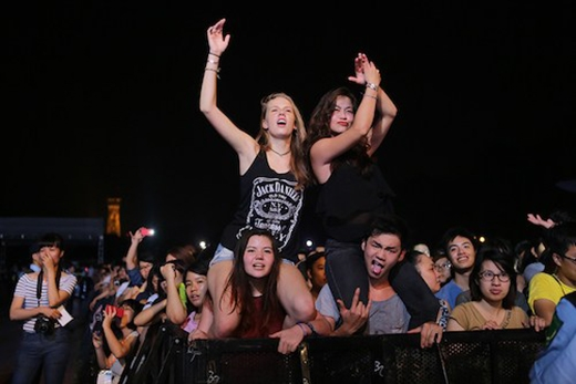 Khán giả trẻ cuồng nhiệt với Monsoon Music Festival