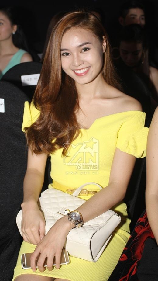 Nữ diễn viên Ninh Dương Lan Ngọc cũng đến cổ vũ cho các anh chị đồng nghiệp. - Tin sao Viet - Tin tuc sao Viet - Scandal sao Viet - Tin tuc cua Sao - Tin cua Sao