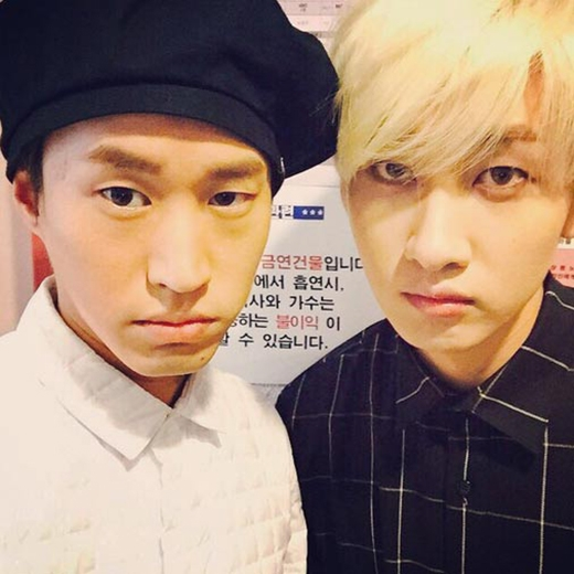 Eunhyuk khoe hình tạo nét mặt giống Tablo