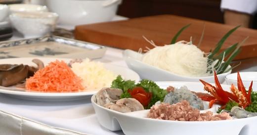 Cùng Martin Yan khám phá ẩm thực Nha Trang