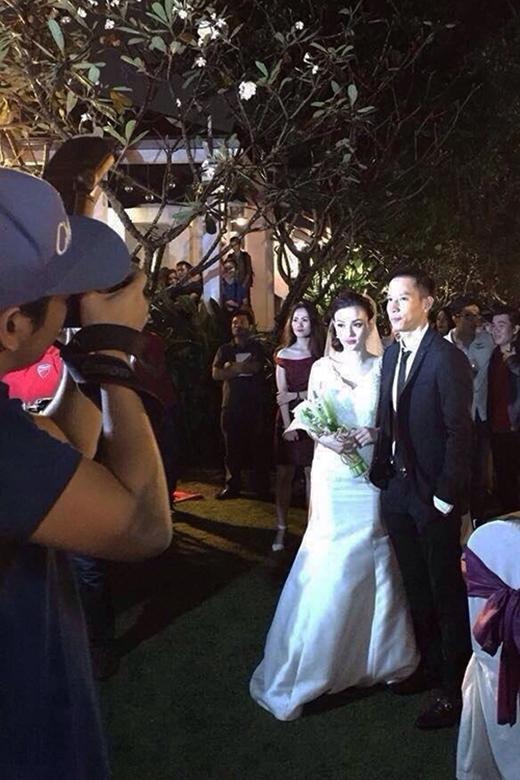 Ảnh cưới hiếm hoi của Thu Thuỷ được một người bạn ghi lại bằng điện thoại - Tin sao Viet - Tin tuc sao Viet - Scandal sao Viet - Tin tuc cua Sao - Tin cua Sao