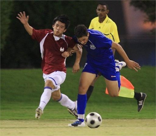 Với lối đá và tư duy chơi bóng khá giống với U19 HAGL, người hâm mộ hy vọng bầu Đức sớm đưa cầu thủ này về chung nhà với các 'gà cưng' của mình. Ảnh: FBNV