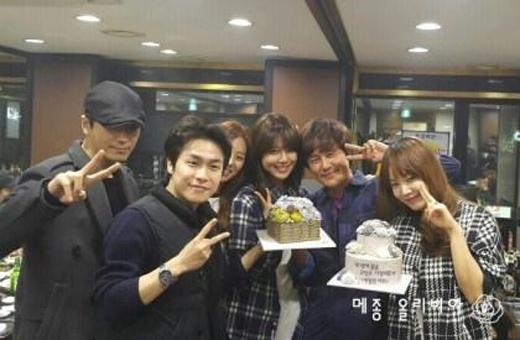 Sooyoung đích thân viết thư tay cảm ơn khán giả