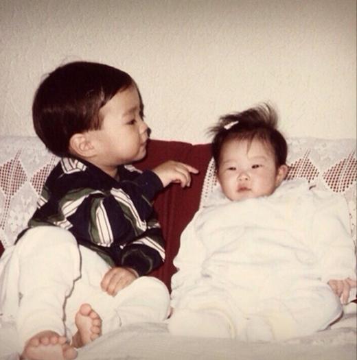 Siwon bất ngờ đăng tải hình ảnh hồi bé cùng em gái cực dễ thương