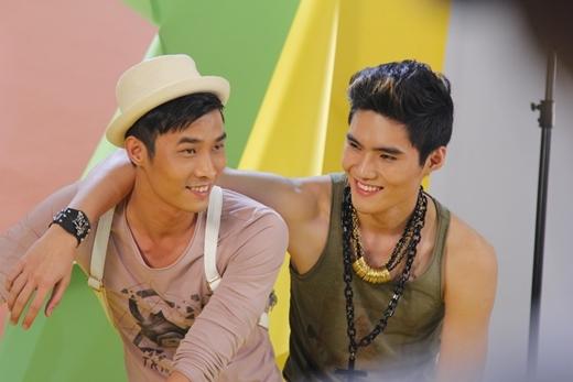 Cuộc chiến giành ngôi vị quán quânVietnam's Next Top Model mùa thứ 5 chính thức bắt đầu