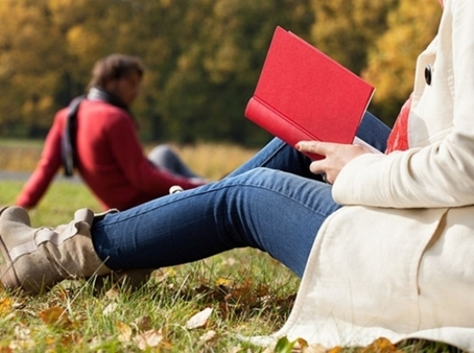 Đọc sách hàng ngày chính là một thói quen tốt. Ảnh: Success
