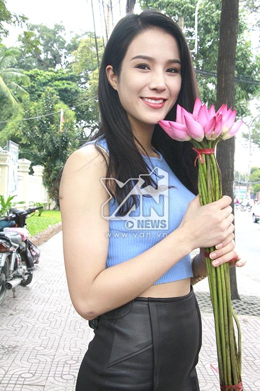 Xuất thân từ một vũ công, Diệp Lâm Anh bất ngờ lấn sân sang sân khấu ca hát. Trước đây, cô từng có 6 năm là thành viên chính của nhóm Bigtoe nổi tiếng tại Hà Nội.
