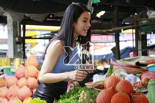 Tự lập từ bé nên Diệp Lâm Anh rất đảm đang, nhanh nhẹn trong việc chợ búa cơm nước