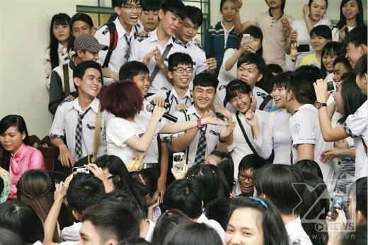 Trình diễn quá máu lửa, Hòa Minzy khiến khán giả phấn khích