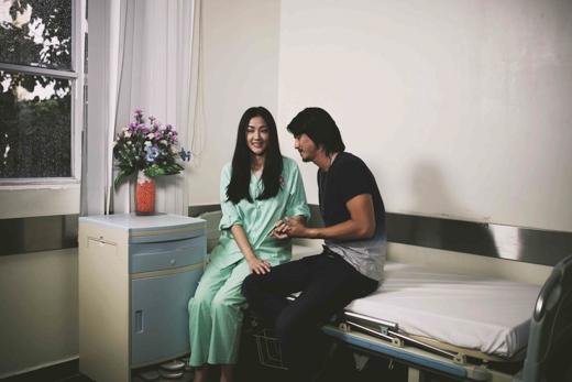 """Rất tâm đắc ý tưởng của MV """"Đừng buông tay em mà"""", Maya đã cố gắng thể hiện rõ hình ảnh của nhân vật đúng như những gì đạo diễn và ê kíp đã lên ý tưởng từ ban đầu. - Tin sao Viet - Tin tuc sao Viet - Scandal sao Viet - Tin tuc cua Sao - Tin cua Sao"""