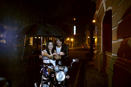 Với một kịch bản đòi hỏi các nhân vật phải trải qua rất nhiều những cảm xúc khác nhau, Maya và Hà Việt Dũng hoàn toàn không gặp khó khăn khi tái hiện lại những khoảnh khắc hạnh phúc hay phải day dứt chia xa trong nước mắt. - Tin sao Viet - Tin tuc sao Viet - Scandal sao Viet - Tin tuc cua Sao - Tin cua Sao