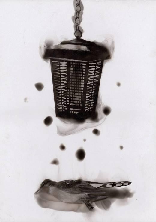 Độc chiêu vẽ tranh ma mị với...muội đèn cầy
