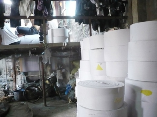 Giấy vệ sinh thành phẩm ra đời.
