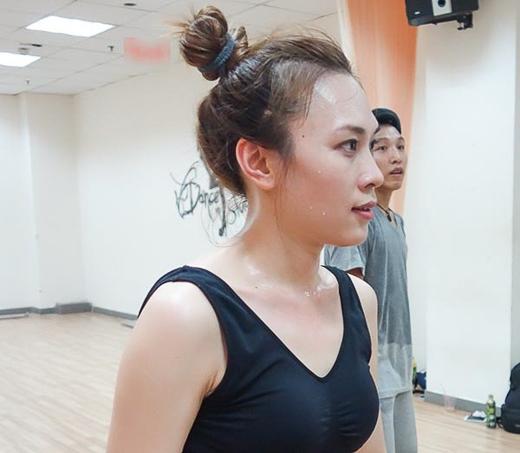 Mỹ Tâm gấp rút tập luyện vũ đạo chuẩn bị cho liveshow - Tin sao Viet - Tin tuc sao Viet - Scandal sao Viet - Tin tuc cua Sao - Tin cua Sao