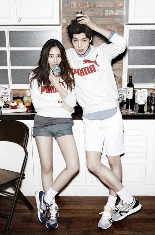 Ahn Jae Hyun và Krystal đều sở hữu một nét đẹp khỏe khoắn và năng động. Vì vậy, sự kết hợp của cả hai trong các mẩu quảng cáo của nhàn hàng Puma cũng tạo không ít hiệu ứng cho khán giả và khách hàng.