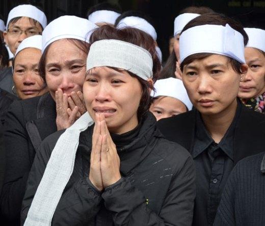 Chị Lê Thị Ngọc Hà (31 tuổi), vợ nạn nhân