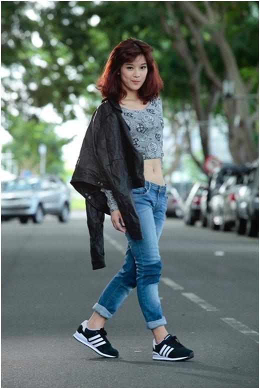 Che khuyết điểm nấm lùn với quần jean cùng Chibi Hoàng Yến