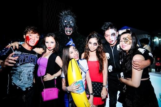 Halloween – The Next Vibes 2014: Lễ hội hóa trang hoành tráng đầy sao và đầy tính kết nối