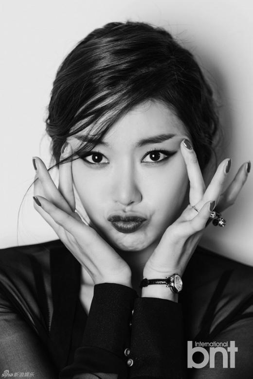 So Yi Hyun đẹp nổi bật trên tạp chí BNT International số mới nhất