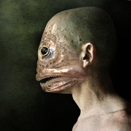 Nhiều người cho rằng sự kết hợp giữa người và cá là đáng sợ nhất