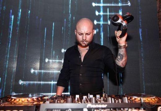 DJ quốc tế Romain Rou một phù thủy âm thanh chuyên nghiệp người Pháp
