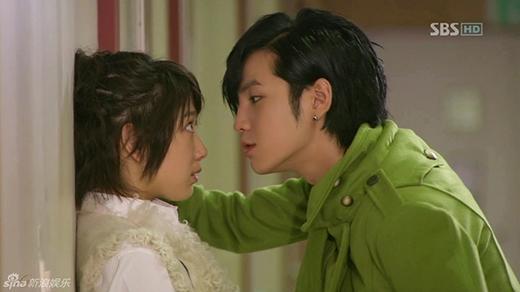 Sau khi hợp tác cùng nhau trong bộ phim You're Beautiful, cặp đôi Park Shin Hye và Jang Geun Suk nhận được rất nhiều sự quan tâm của công chúng. Sau đó, hai người đã trở thành bạn thân và nhận được nhiều sự hợp tác trong những mẩu quảng cáo thương mại.