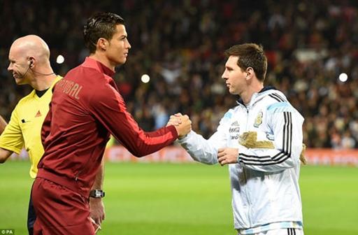 Bất ngờ với hình ảnh Ronaldo & Messi đầy thân thiện