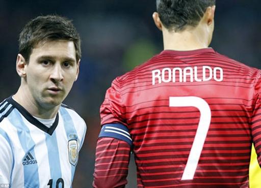 Dù thi đấu trên hàng công của hai đội nhưng Ronaldo và Messi chạm mặt nhau khá thường xuyên
