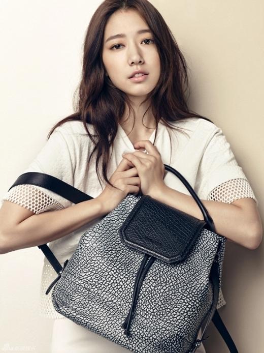 Park Shin Hye đẹp không tì vết trong bộ ảnh mới