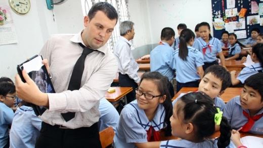 Thầy cô nước ngoài nói gì về học sinh Việt Nam