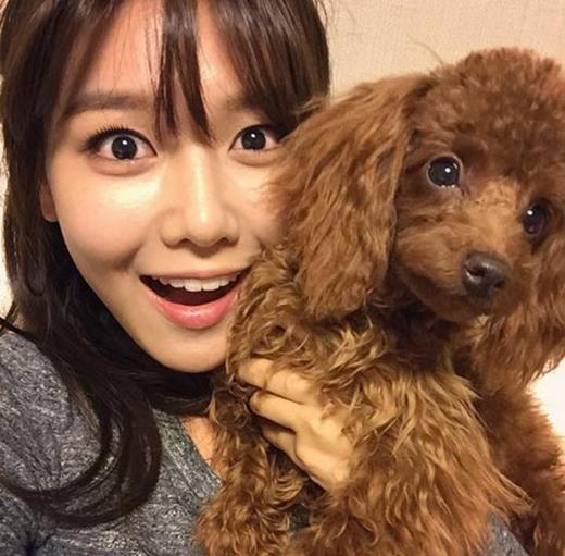 Sooyoung hào hứng khi khoe hình cùng cún cưng và viết: Bori, cún con xuất hiện trên TV hôm nay