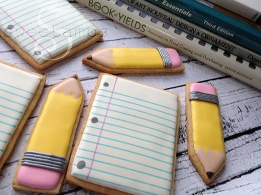 Sổ và bút chì