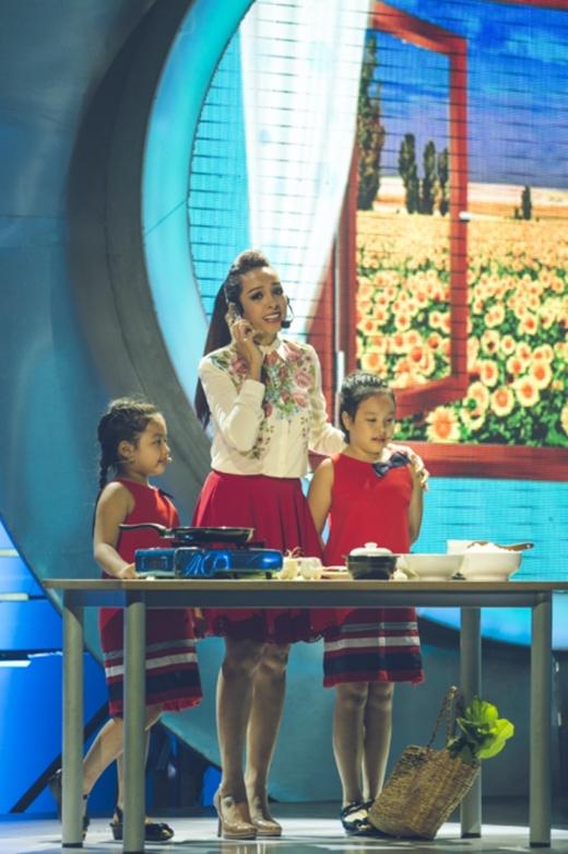 Hai con gái Thúy Hạnh lần đầu khoe giọng hát - Tin sao Viet - Tin tuc sao Viet - Scandal sao Viet - Tin tuc cua Sao - Tin cua Sao