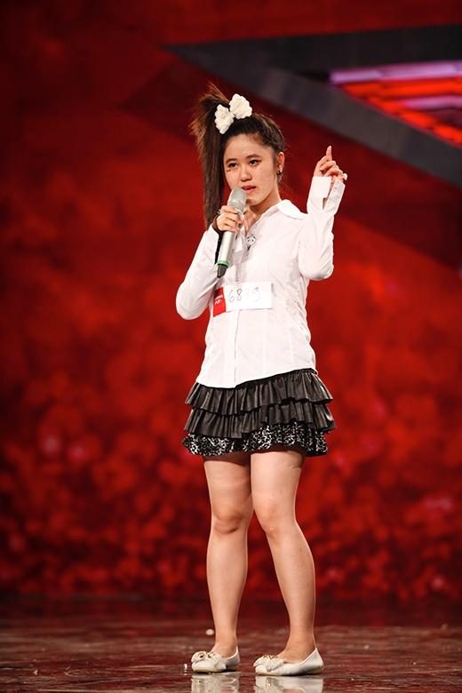 Thí sinh nữ có phong thái trình diễn tự tin, cô sẽ hát ca khúc nổi tiếng của công chúa nhạc pop Britney Spears – Oops! I did it again với phong cách đặc biệt - Tin sao Viet - Tin tuc sao Viet - Scandal sao Viet - Tin tuc cua Sao - Tin cua Sao