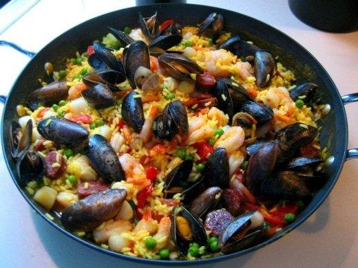 Hãy thử món cơm hải sản paella siêu đặc biệt của Tây Ban Nha