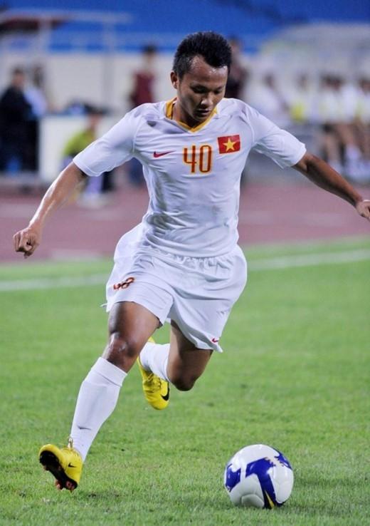 Trọng Hoàng là một trong những tiền vệ nội hay nhất tại V.League 2014. Ảnh: Hoàng Hà.