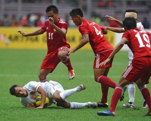 Trọng Hoàng có lối chơi năng nổ và không ngại va chạm. Ảnh: Getty Images.