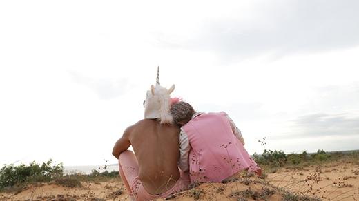 Bông hồng lai MLee tái xuất với hình ảnh ngựa sừng táo bạo - Tin sao Viet - Tin tuc sao Viet - Scandal sao Viet - Tin tuc cua Sao - Tin cua Sao