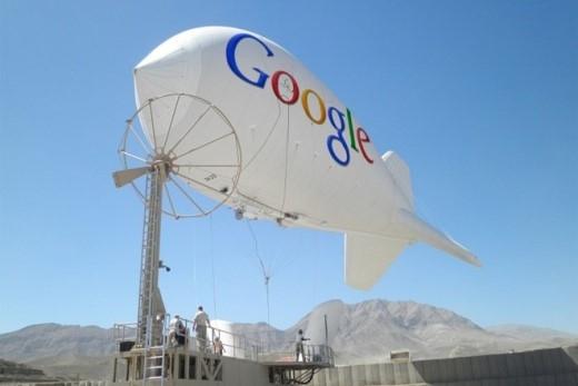 4. Google đã tung ra dự án kinh khí cầu giúp truy cập Internet trên toàn thế giới. Trên thực tế, vẫn có khoảng 2/3 số dân toàn cầu chưa thể tiếp cận với Internet vì nhiều nguyên nhân. Do đó, dự án có tên Project Loon này là vô cùng có ý nghĩa, khi mỗi kinh khí cầu có thể giúp những người nằm trong phạm vi diện tích 1.000 km xung quanh nó kết nối với Internet. Tháng 6/2013, dự án này đã được thử nghiệm thành công ở New Zealand và đến tháng 6 năm nay là ở Brazil. Đây cũng có thể coi là một phương pháp cung cấp dịch vụ Internet khác cho tất cả mọi người, bên cạnh hình thức sử dụng cáp truyền thống.