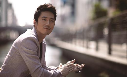 Mặc dù đã kết hôn nhưng nam diễn viên Jang Hyuk vẫn thừa sức để cuốn hút phái nữ thông qua bộ phim Fated To Love You. Bắt đầu sự nghiệp từ sớm với những vai diễn đầy ấn tượng, hình ảnh của Jang Hyuk luôn khiến khán giả quan tâm mỗi khi anh tham gia bất cứ dự án nào. Nam diễn viên 37 tuổi vẫn còn là một anh chàng điển trai và tràn đầy sức sống trong mắt công chúng.