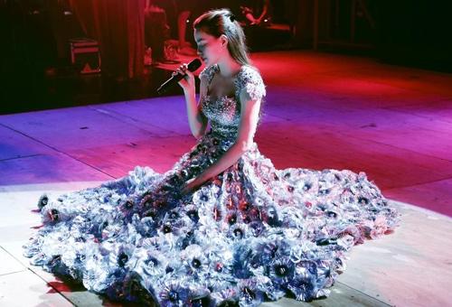 Đặt live concert Hà Hồ và liveshow Mỹ Tâm lên bàn cân - Tin sao Viet - Tin tuc sao Viet - Scandal sao Viet - Tin tuc cua Sao - Tin cua Sao