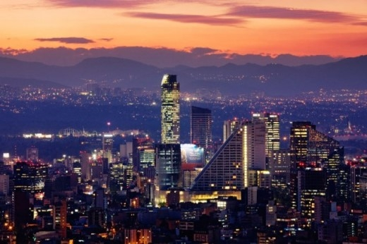 Mexico City đang chìm với tốc độ 10 cm/năm.