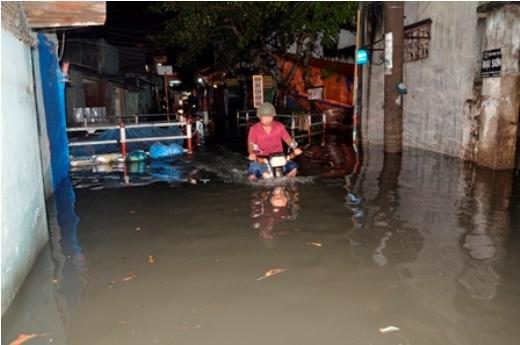 Sài Gòn lại ngập nặng sau cơn mưa cuối mùa
