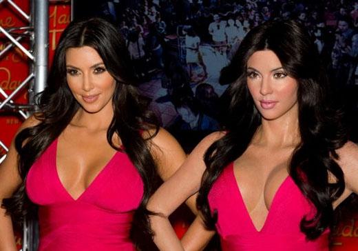 Kim Kardashian đã có thêm chị em sinh đôi giống mình như đúc