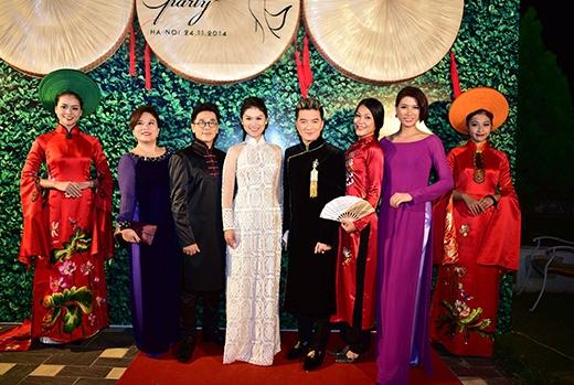 Tất cả các khách mời đều mặc áo dài truyền thống - Tin sao Viet - Tin tuc sao Viet - Scandal sao Viet - Tin tuc cua Sao - Tin cua Sao