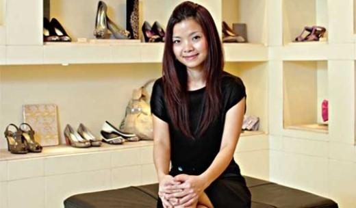 Vưu Lệ Quyên là một trong ba người con của doanh nhân gốc Hoa thành đạt tại Việt Nam.