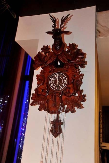 Chiếc đồng hồ độc đáo được làm bằng gỗ quý. - Tin sao Viet - Tin tuc sao Viet - Scandal sao Viet - Tin tuc cua Sao - Tin cua Sao