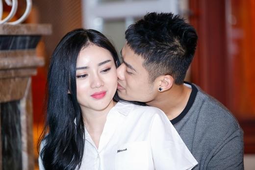 Ngọc Minh Idol say đắm khóa môi hotgirl trong MV mới