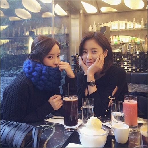 Hyomin khoe hình hẹn hò cùng Eunjung